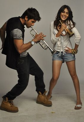 -Colgate-Max-Fresh--Ad-With-Genelia-D-Souza---Shah-copie-3.jpg