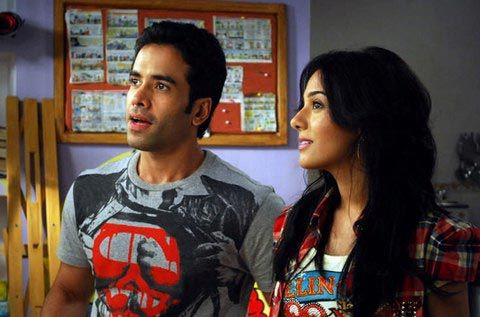 Tusshar-and-Amrita-in--Love-U--Mr-Kalakaar-2.jpg