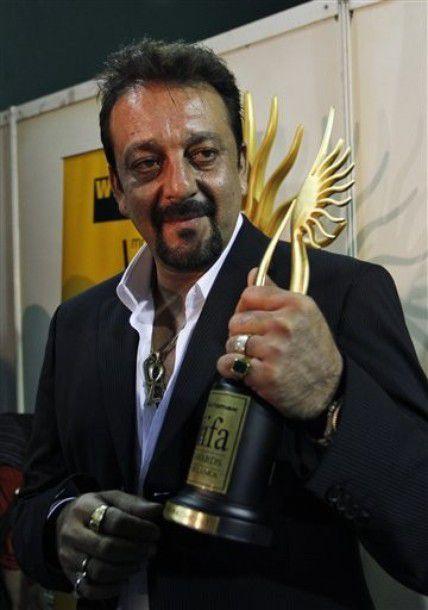 Sanjay-Dutt-Best-Comic-Actor-Meilleur-acteur-comique-IIFA-2.jpg
