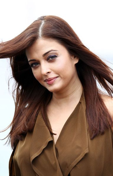 Aishwarya-Rai--Madhur-Bhandarkar-and-Ronnie-Screwv-copie-1.jpg