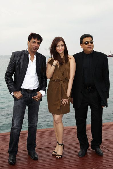 Aishwarya-Rai--Madhur-Bhandarkar-and-Ronnie-Screwv-copie-5.jpg