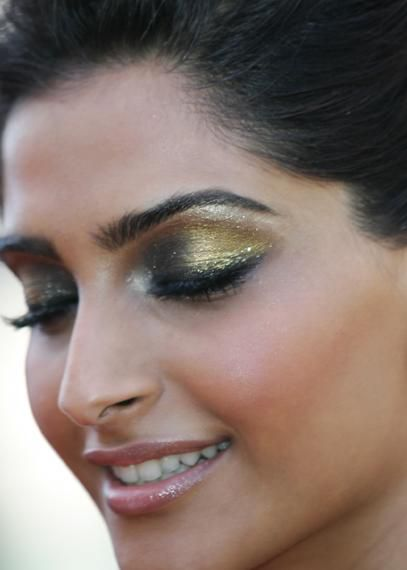 Sonam-Kapoor---64th-Annual-Cannes-Film-Festival.jpg
