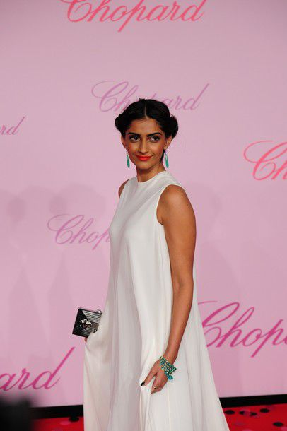 Sonam Kapoor at the Photocall of the Chopard's Par-copie-1