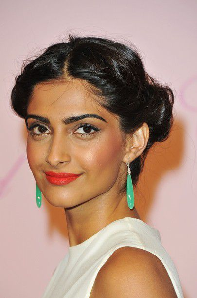 Sonam-Kapoor-at-the-Photocall-of-the-Chopard-s-Par-copie-5.jpg