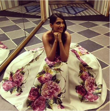 Sonam-Kapoor-Indian-Actress---Day-2---CAnnes-Film-Festival-.jpg