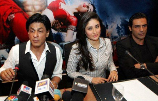 Conference-de-presse---Ra.-One---SRK--Kareena---Arjun-Ramp.jpg