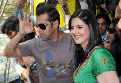 salman-and-zarine-khan.jpg