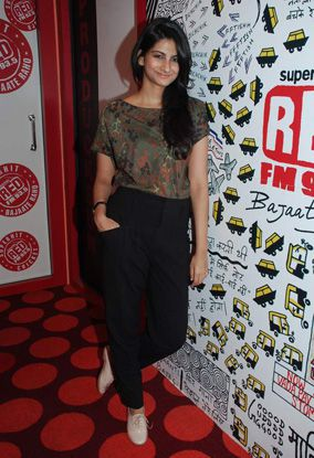 rhea-kapoor---red-fm-promo-of-aisha.jpg