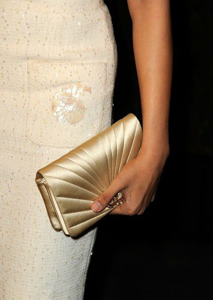 Freida-Pinto---Dev-Patel-lors-du-diner-Chanel---C-copie-2.jpg