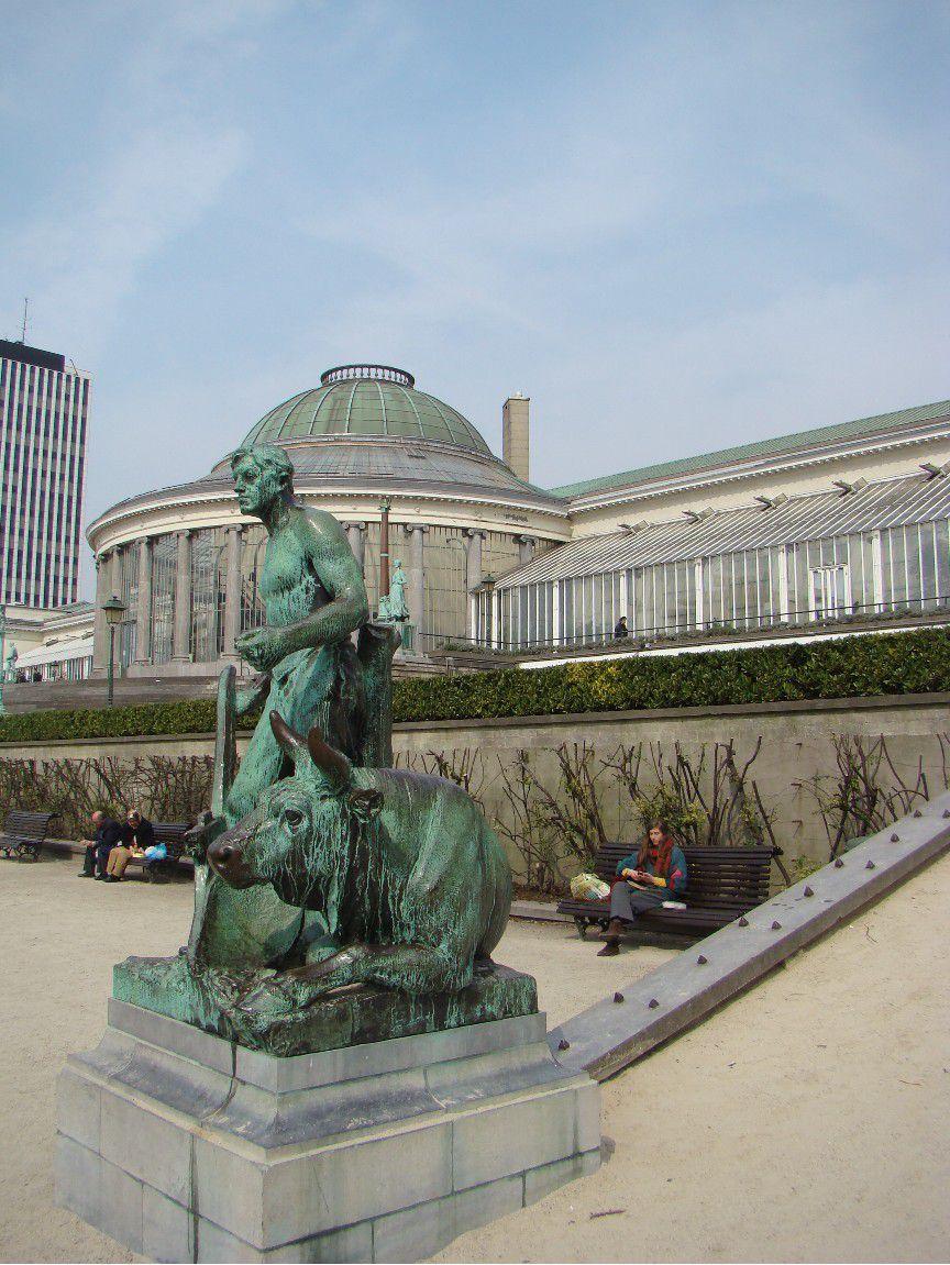 Le botanique jardin et centre culturel a la rencontre - Statue de jardin belgique ...