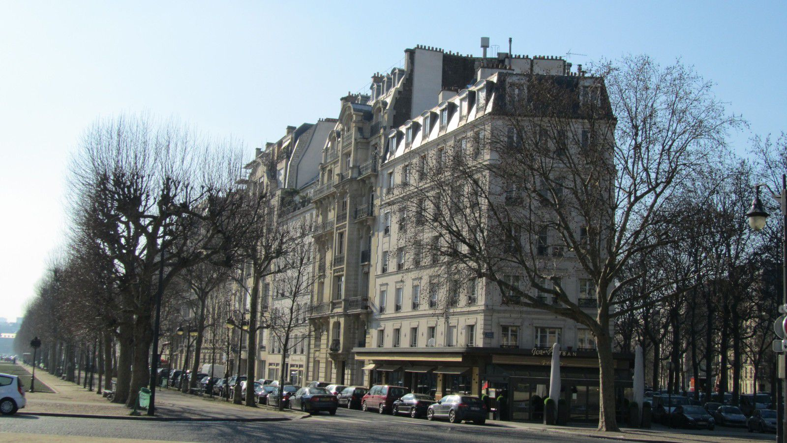 http://idata.over-blog.com/0/32/10/53/villes-geo-urbaine/Haussmannisation-Paris.jpg