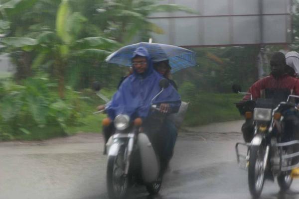 bensikin-sous-la-pluie.jpg