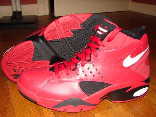 buy popular e60e5 4101d Nike Air Maestro (Red Black White)