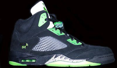 Air-Jordan-V-Quai-54-Black-Detailed-Images-3.jpeg