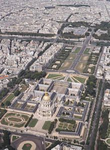 300px-Invalides_aerial_view.jpg