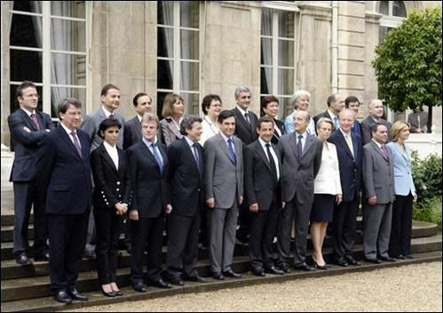 photo-de-famille-du-gouvernement-fillon.jpg