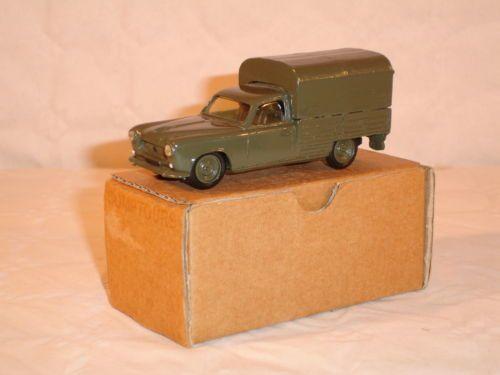 COMPTOURS.-1003.-Peugeot-403-bachee.-1953.-Armee.jpg