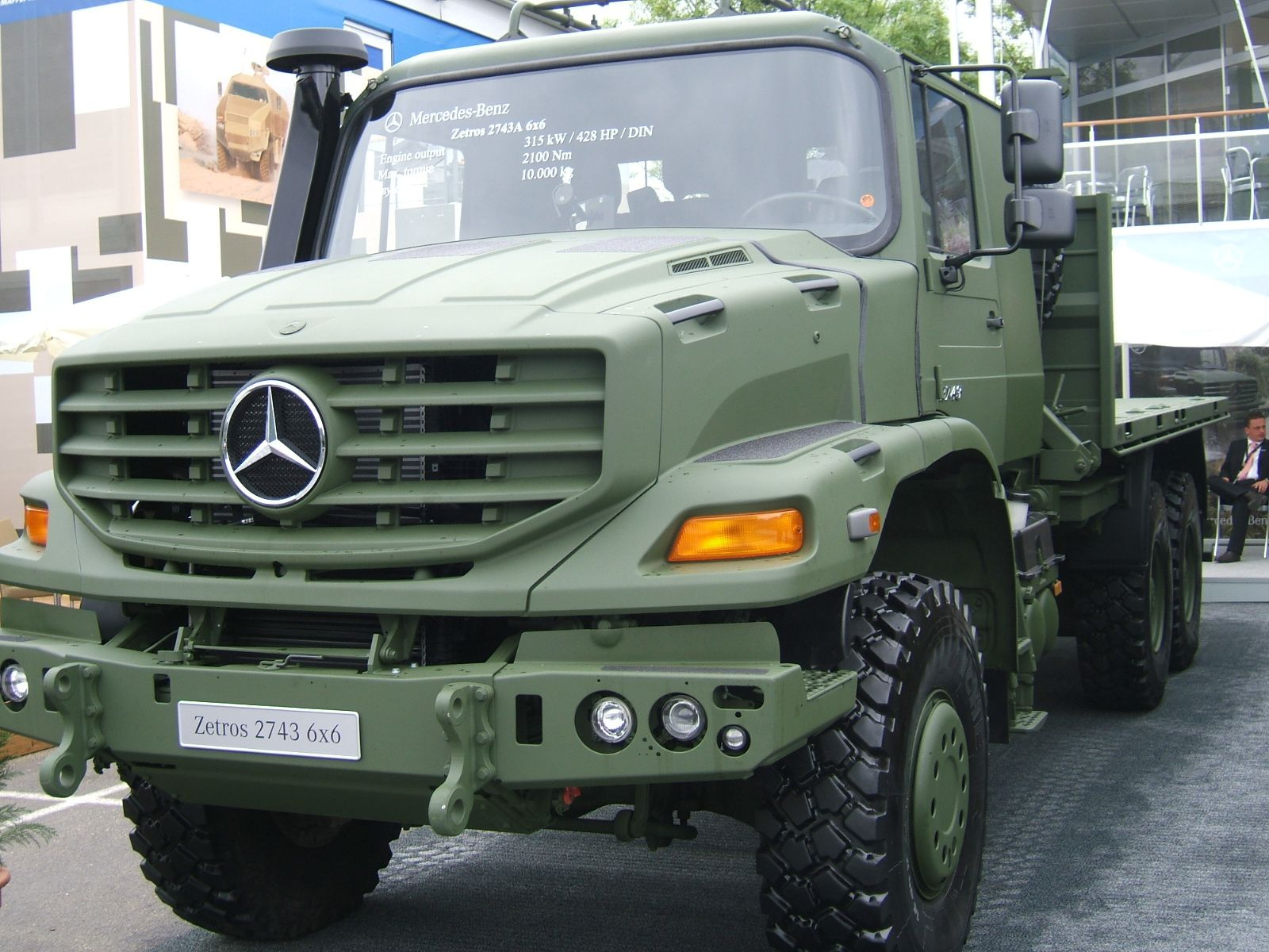 mercedes benz zetros 4x4 et 6x6 au 1 43 cursor. Black Bedroom Furniture Sets. Home Design Ideas