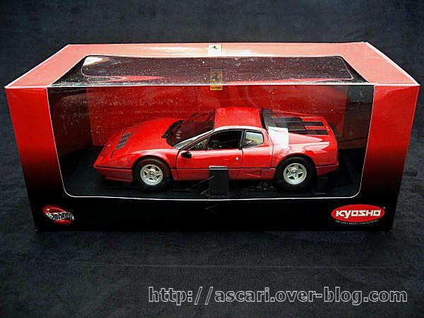 1-18-Ferrari-512-BBi-Kyosho-02.JPG