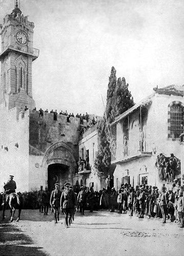 Allenby_enters_Jerusalem_1917_m.jpg