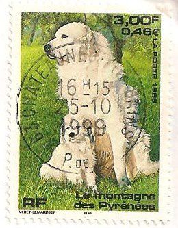 Timbres-Chien-des-pyrenees.jpg