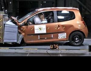 Renault-Twingo-II-crash-test-copie-1.jpg
