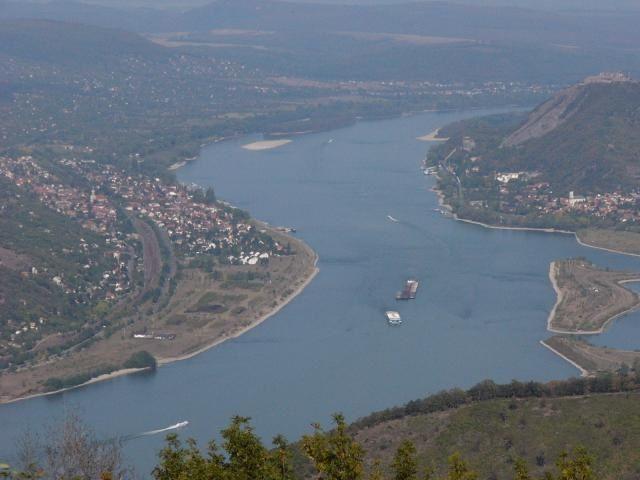 Danube-Bend.JPG