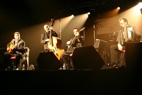 Photo : Angelo Debarre et Ludovic Beier au Festival Swing 41
