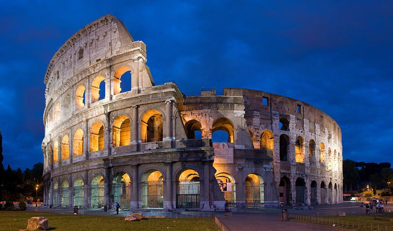 Colosseum-in-Rome--Italy---April-2007.jpg