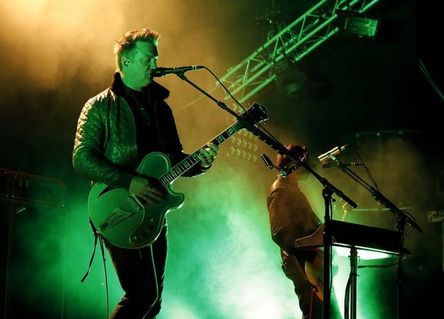 2014_06_05-Caribana-Miles-Kane-Queens-of-the-Stone-Age102.jpg