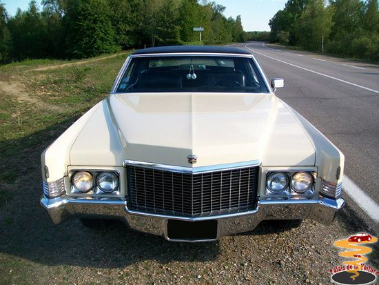 2_Cadillac-Coupe-DeVille-1970.JPG