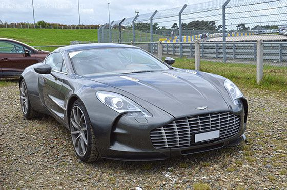 AG44-0297_aston_martin_one_77.jpg