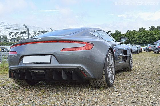 AG44-0302_aston_martin_one_77.jpg