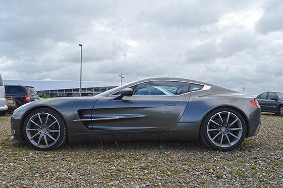 AG44-0307_aston_martin_one_77.jpg