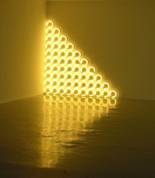 Dan flavin n ons jeu de la lumi re et de l 39 espace for Minimal art by daniel marzona