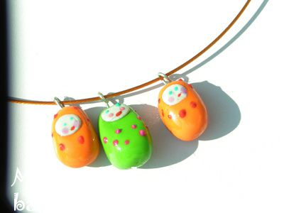 collier_fimo_poupee_orange.jpg
