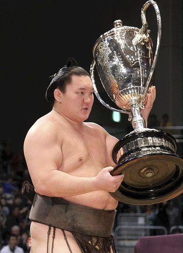 Hakuho victory
