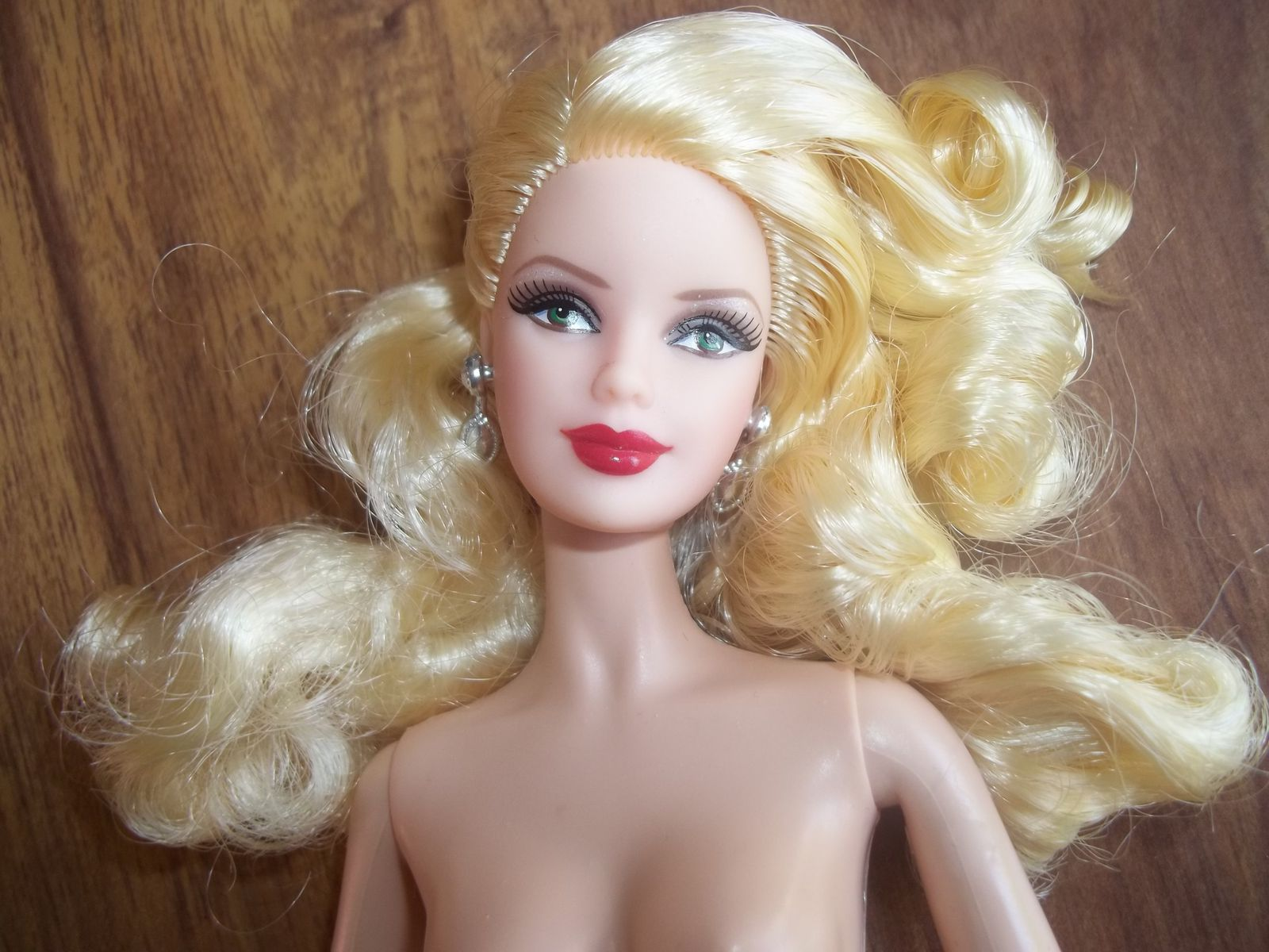 Barbie Happy Holiday 2012 Nue Lilabrode