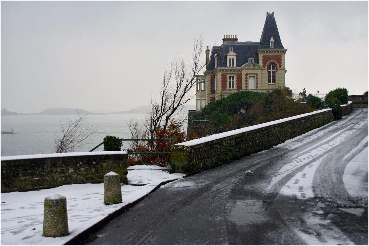 Ballade dans différents endroits de Dinard pendant et après la chute de neige.
