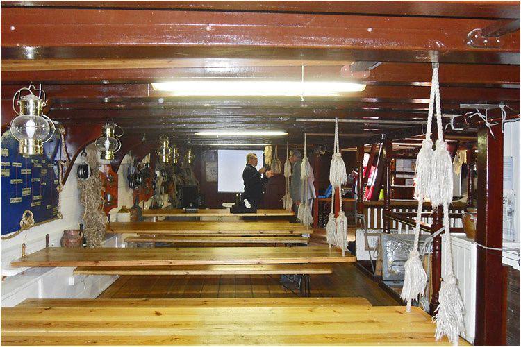 photos de l'intérieur du bateau l'Etoile du Roy (anciennement le Grand Turk) prises par Daniel Lagarde.