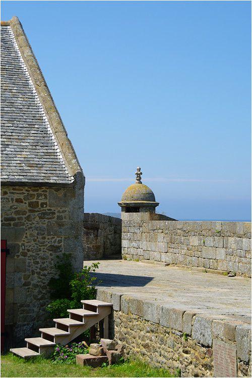 visite guidée en photos du Fort National à Saint Malo.