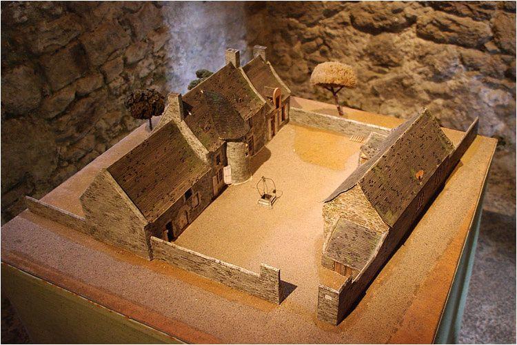 Visite en images du Manoir de Limoëlou aux portes de Saint Malo où vécut Jacques Cartier les dernières années de sa vie.