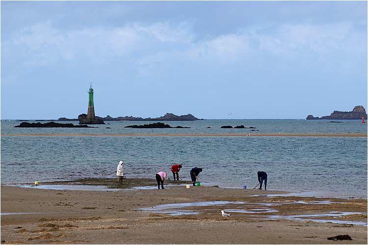 Dimanche 09 mars grande marée et cela grattait ferme plage de Saint Enogat à Dinard.