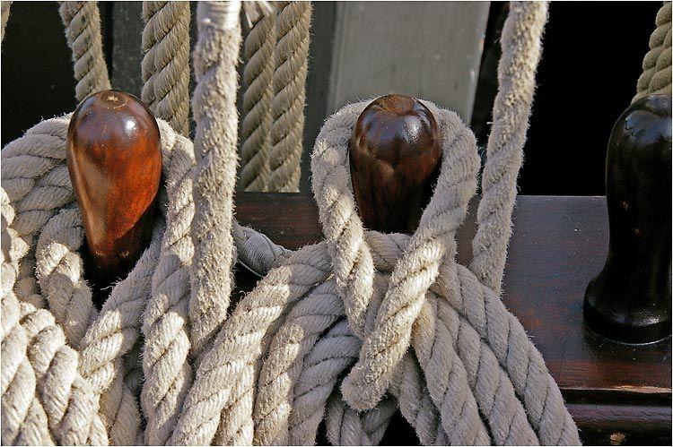 """A l'occasion des 20 ans de l'association du côtre corsaire """" le Renard """" celui-ci était ouvert à la visite en ce dimanche 12 octobre et cela sous le soleil."""