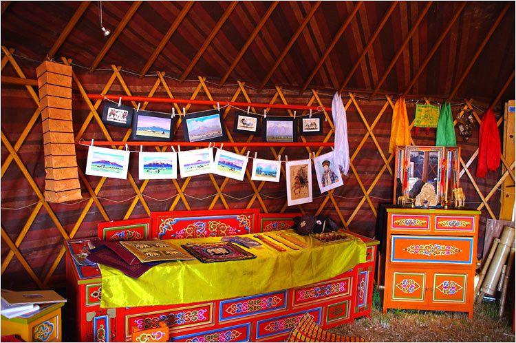 L'association Avel Nomad a replanté ses yourtes mongoles à Saint Lunaire