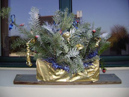 Decoration de noel pour jardiniere for Decoration fenetre clown