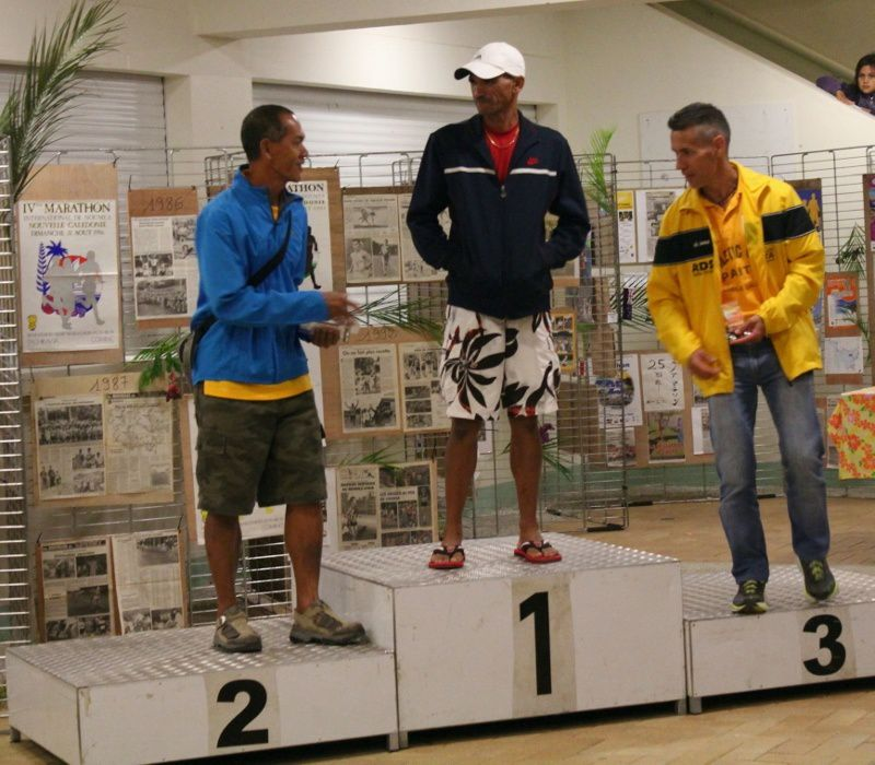 Photos de quelques podiums, marathon et semi, 2012
