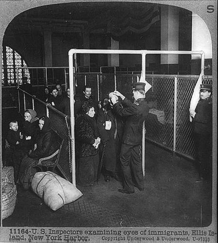 Ellis-Island-immigrants-2.jpg