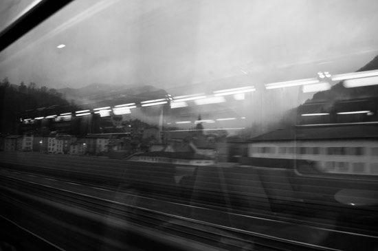 -voyage-en-train-b-w.jpg