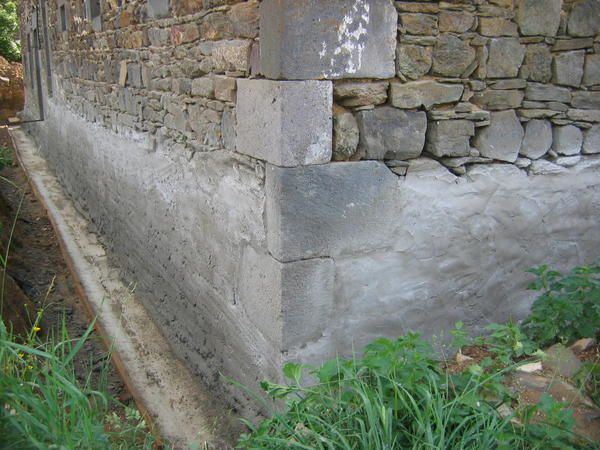 Drainage 2 r novation d 39 une ferme for Drainage maison en pierre
